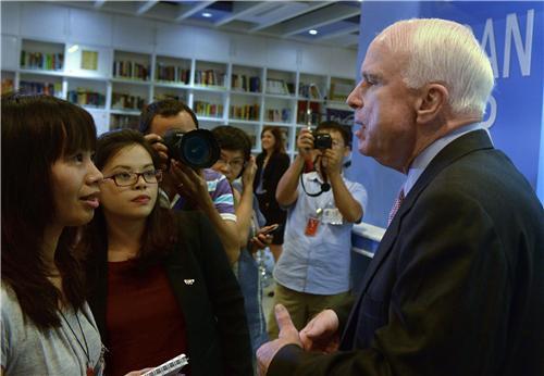 • Thông điệp McCain: 5 Sẵn sàng, 3 Nên và 1 Hy vọng